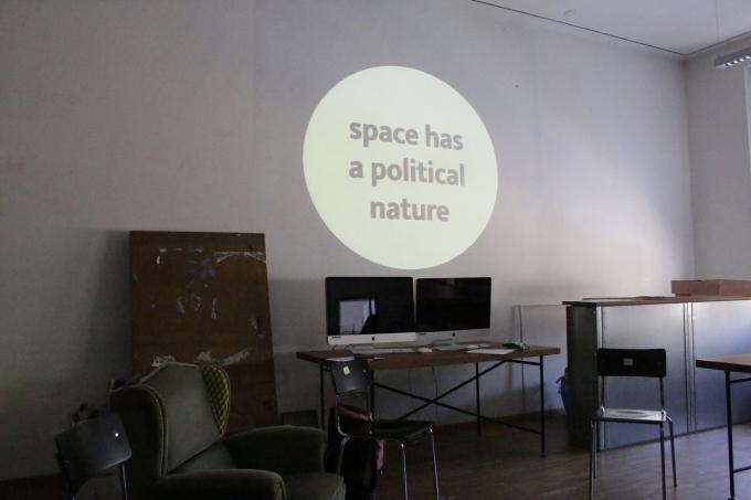 El espacio y su naturaleza política. Trabajando con estudiantes de diseño de la Universidad deBolzano/Bolzen